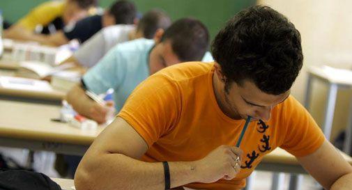 Sostituisce l\'amica all\'esame di italiano per il permesso di ...