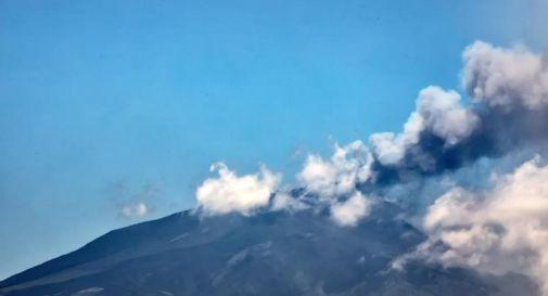 Etna, eruzione: dal vulcano violenti boati, fontana di lava e nube di 5mila metri