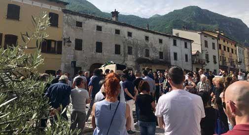 Una folla di oltre 500 persone ha detto addio ad Alessandro Sartor: