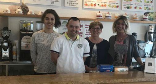 Federico, ragazzo con la sindrome di Down, apre un bar in centro a Vazzola
