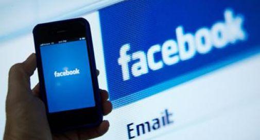 Il figlio di 2 anni annega, lei chatta su FB: mamma condannata a 5 anni di carcere