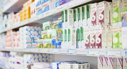 Ordini i farmaci via WhatsApp e te li consegnano con l'auto elettrica