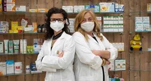 a sinistra Enrica Fabbris, a destra Monica Belluco