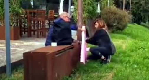 Nastro rosa della LILT rotto pure a Castelfranco: ma ci ha pensato FdI