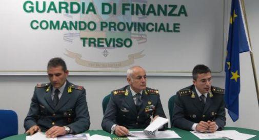 Società immobiliare evade 2,3 milioni, sequestrata Ferrari all'amministratore