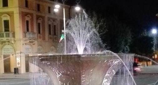 la fontana di piazza Caduti a Mogliano (foto 'archivio)