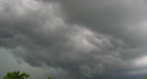 Scatta lo stato di attenzione da domani fino a martedì: previsti temporali