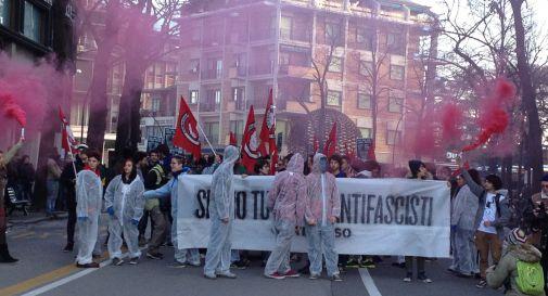 Corteo antifascista in centro: Ztl brucia i fogli di via