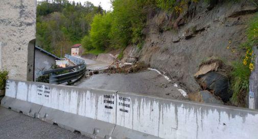 Frana in Alpago continua a muoversi, evacuata una frazione del paese