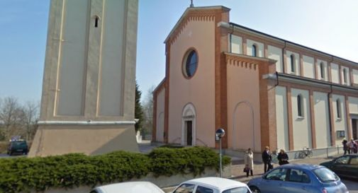 Malore in chiesa a Francenigo, cade a terra e si ferisce