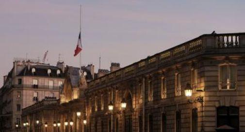 Parigi bombarda Raqqa, raid contro Is in Siria