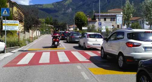 Fregona, strade da incubo per la corsa ciclistica: ore di coda, traffico in tilt