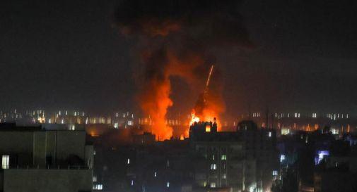 Israele risponde a palloni incendiari da Gaza, raid contro