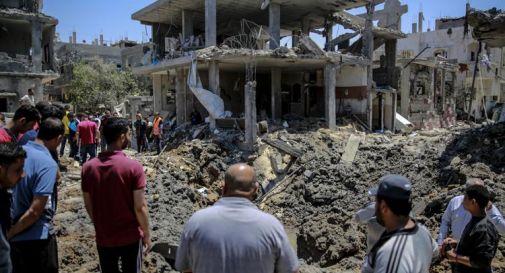 Israele, bombe su Gaza: bambini tra vittime campo profughi
