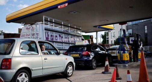 Gb, crisi della benzina: da oggi interviene l'esercito