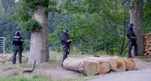 Germania, caccia all'uomo nella foresta
