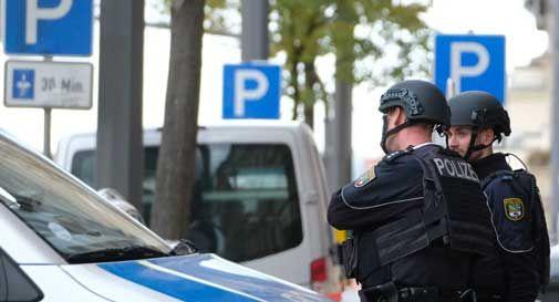 Sparatoria in Germania, 2 morti: aggressore in fuga