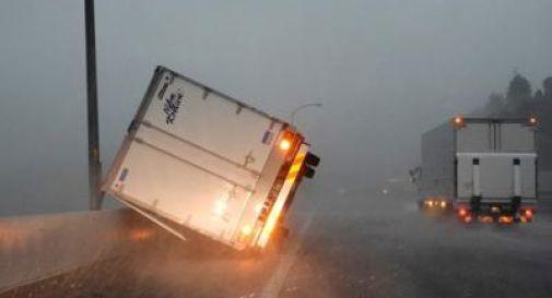 Giappone, tifone Faxxai su Tokyo: 30 feriti