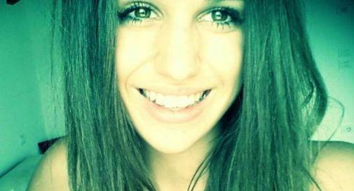 Una fiaccolata per ricordare Giulia, morta a soli 18 anni nel tragico incidente