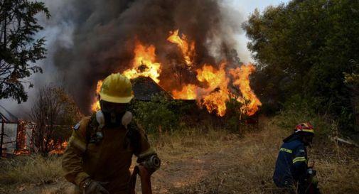 Grecia nella morsa degli incendi, 'storica' ondata di caldo