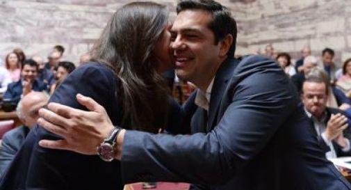 Grecia, Parlamento approva il piano di riforme