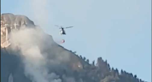 Incendio nella zona sotto il Rifugio dei Loff