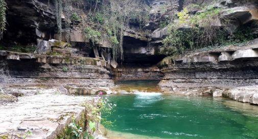 la cascata di Grotta Urlante, dov'è avvenuta la tragedia