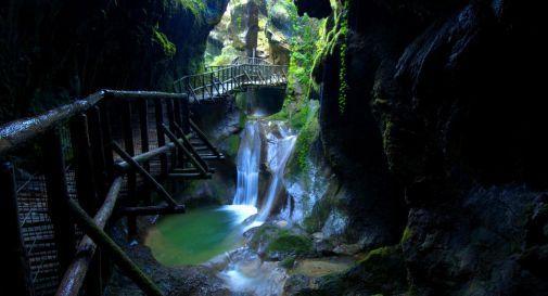Le Grotte del Caglieron finiscono in Procura