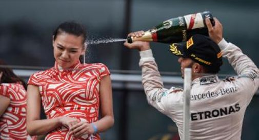 Hamilton, champagne contro hostess? Non volevo offendere nessuno