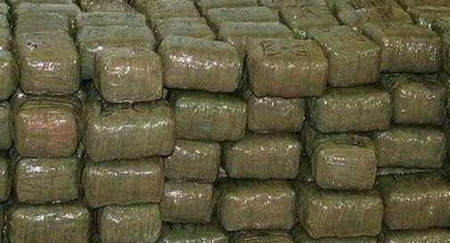 Beccati con 50 Kg di hashish, tre arresti