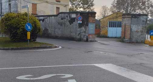 Auto contromano vicino all'ospedale di Conegliano, incidente frontale: una persona rimane ferita. - Oggi Treviso