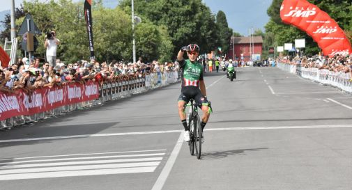 Ciclismo, Benedetti vince il tricolore a Prato