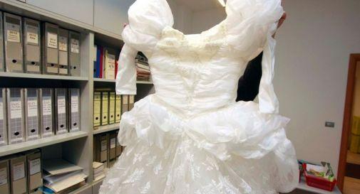 Prendi l'abito da sposa e scappa