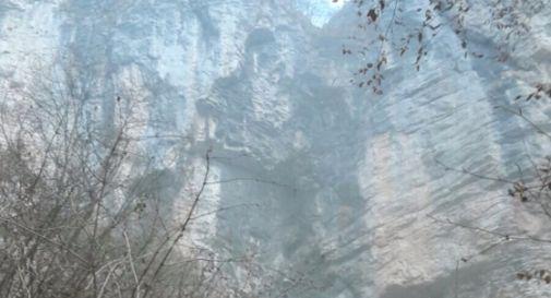 Muore in montagna precipitando per 40 metri