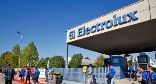 Electrolux: sul lavoro a Ferragosto operai divisi