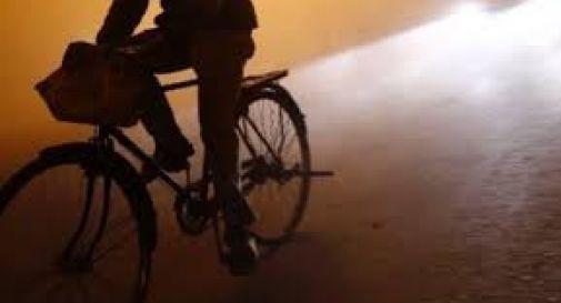 Mamma scomparsa, il marito lascia la bimba dai suoceri e sparisce in bicicletta