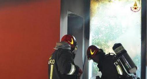 Principio d'incendio, allarme a Paese