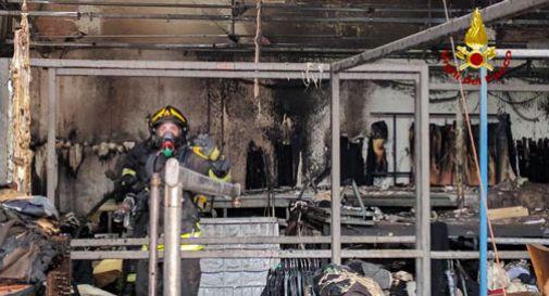 Vasto incendio distrugge un 39 azienda a fuoco mille metri for Capannone di 300 metri quadrati