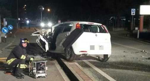 incidente mortale auto contro pullman