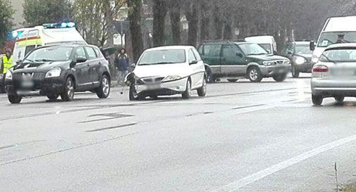 Schianto tra due auto a Vittorio Veneto, un ferito all'ospedale