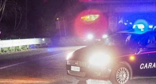 Auto si schianta contro un albero: muore un ragazzo, un altro è grave