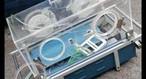 Neonato dichiarato morto: sopravvive 6 ore all'obitorio