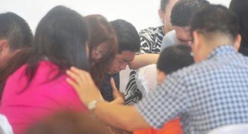 Indonesia, aereo scomparso: recuperati in mare oltre 40 corpi