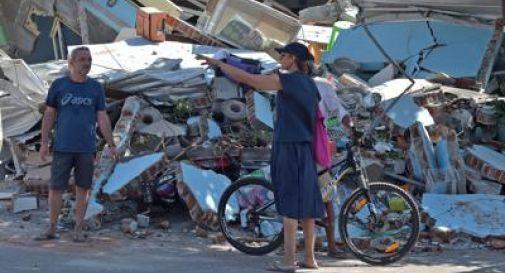 Sisma Indonesia, 140 morti.