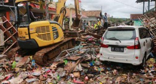 Tsunami in Indonesia, oltre 280 morti