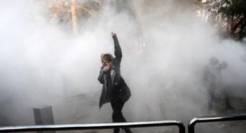 Iran, scontri e morti: anche un bimbo tra le vittime