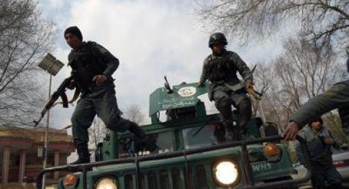 Kabul, commando armato attacca l'ospedale militare