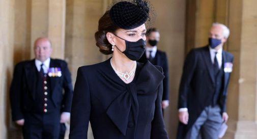 Kate Middleton, perle ed eleganza: duchessa 'regina' dei social