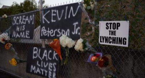 Usa, polizia spara e uccide afroamericano: ondata di proteste