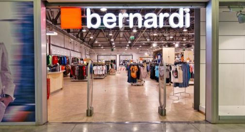 a97d2587d699 Riaprono due negozi Bernardi